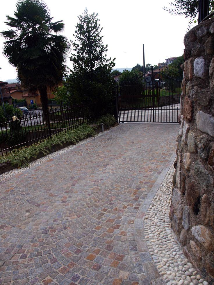 #appiaanticasrl #stone #pietra #palosco #bergamo #brescia #pavimenti #garden #flooring #wall #pavimenti #porfido #posa #flower #ciottolifiume #grigio