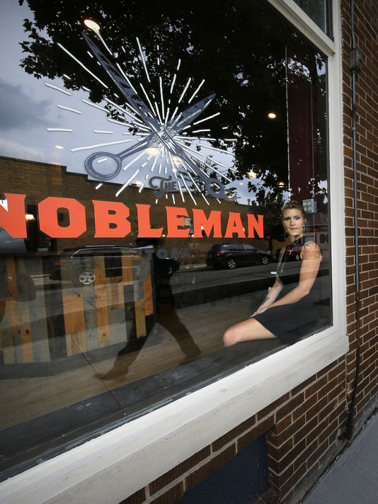 Tosa business owner is making barbering cool again