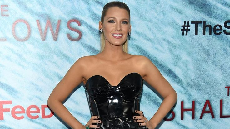 Blake Lively worked out for 13 hours per day for The Shallows capacity | Fox News
