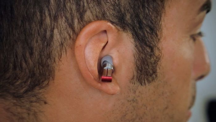 mp3 player looks like wireless earbuds
