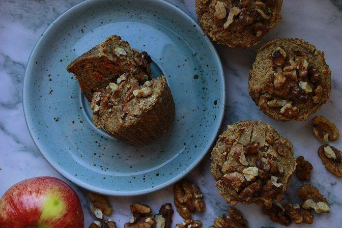 RECEPT: Jablečno-mrkvové muffiny z ovesných vloček a chia semínek