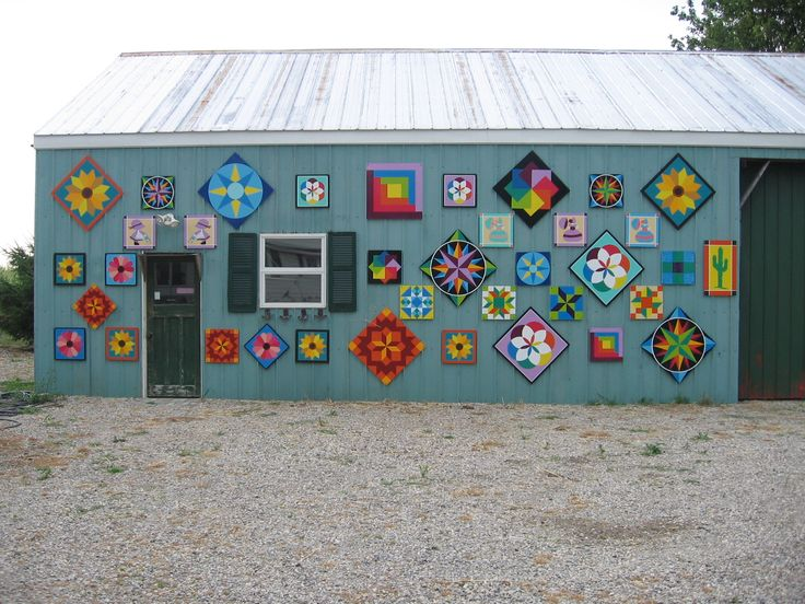 17 best images about barn quilt on pinterest ontario for Garden shed quilting