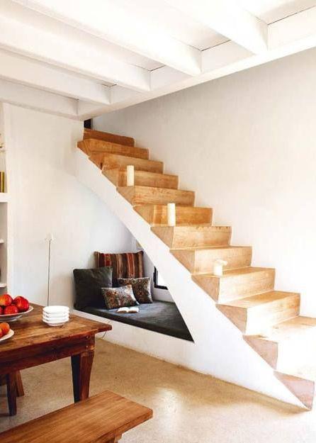 18x de trap als opbergruimte