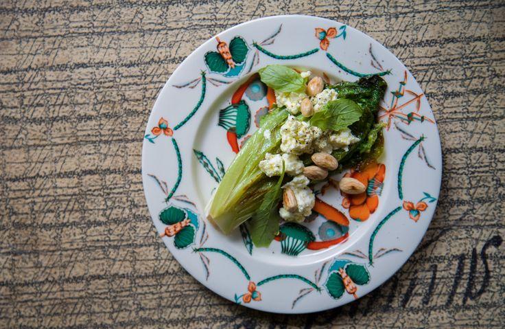 Grillattua salaattia // Grilled Salad.  Grillattua salaattia, juusto vinegrettiä ja paahdettuja manteleita. Grilled Salad with cheese vinaigrette and toasted almonds.  Menulta // From menu 1.0, 2.0 #mexican #grilled #salad #vinaigrette #kuopio