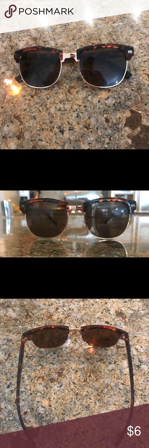 Cute Tortoise shell looking sunglasses 🕶 New Tortoise shell 🐚looking sunglasses 🕶 Accessories Glasses