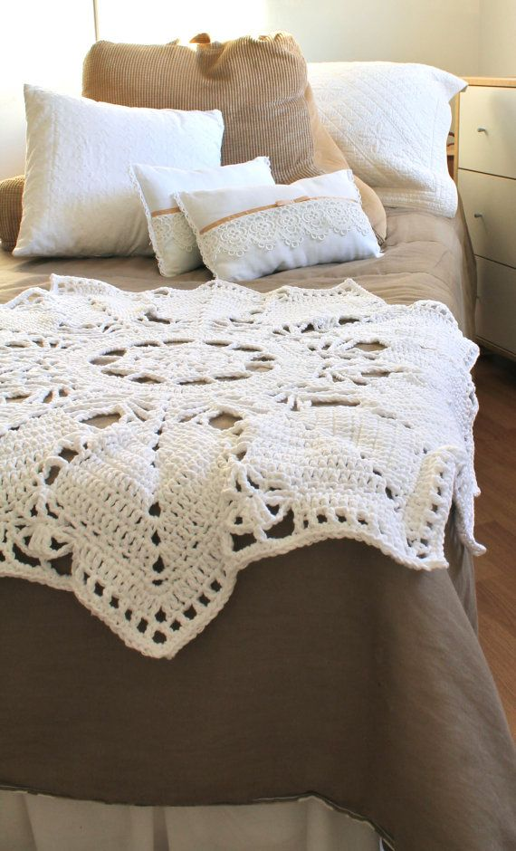Cozy home comforts.: Crochet Blankets, Chic Crochet, Crochet Afghans, Afghans Patterns, Doilies Blankets, Shabby Chic, Cozy Home, Crochet Throw, Crochet Home