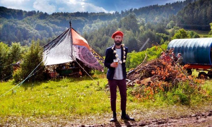Bulgaria:  Meadows in the Mountains     L'atmosfera è quella di un campeggio in montagna. Il festival si svolge in mezzo ai boschi dei Monti Rodopi a Smolyan, in Bulgaria. La mattina ci si sveglia avvolti dalla nebbia che scende lungo il paesaggio. L'edizione 2015 del festival va dal 12 al 15