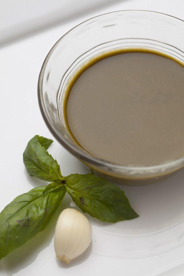 Salsa sin aceite de albahaca
