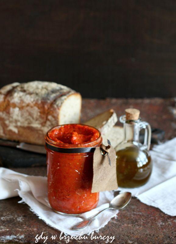 Ajvar pasta z bakłażana, papryki, cebuli i pomidorów