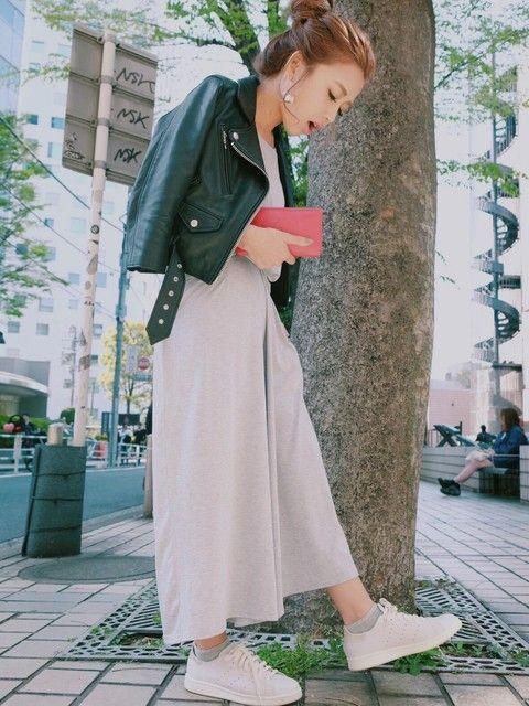 ロングスカート×ライダースジャケットで甘辛ファッション