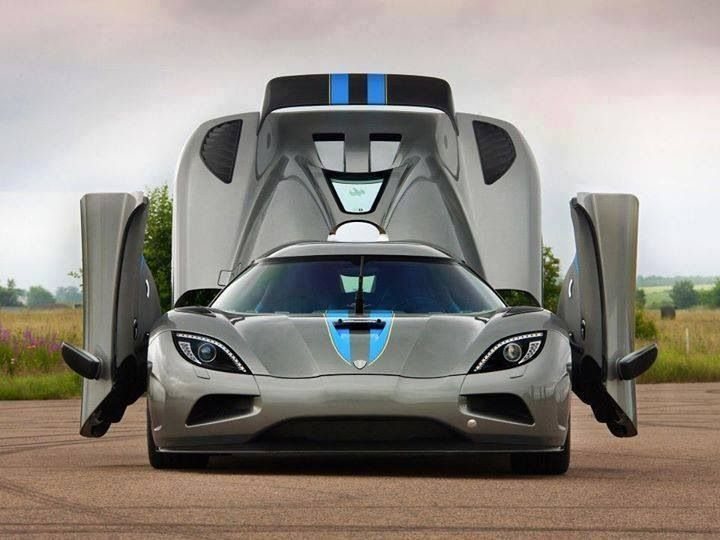 Visit The MACHINE Shop Café... ❤ The Best of Koenigsegg... ❤ (Koenigsegg Agera R $1.6M)