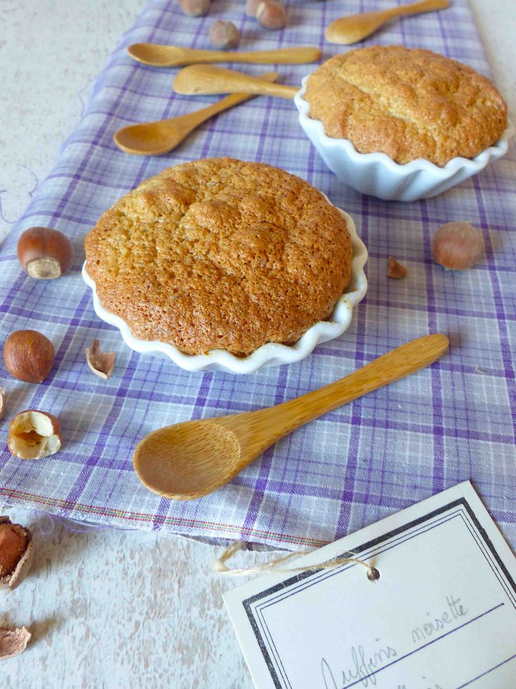 § Muffins à la noisette sans gluten et sans beurre  § •3 œufs •90 g de sucre de coco •100 g de noisettes ou noix ou tout autre oléagineux •2 c.a.s de  farine de riz