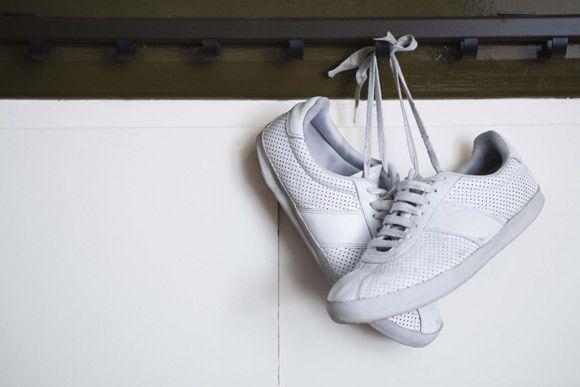 Use a criatividade na hora de guardar os sapatos - Clique na imagem para ver a matéria :)