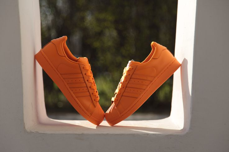 Wanna some orange? #adidas #Superstar #Supercolor #adidasOriginals #sneakers #sneakerOn #PharrellWilliams #Sizeer