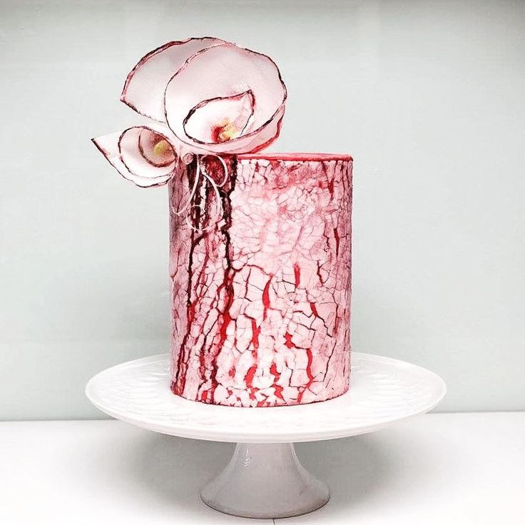 Lady in red... - Cake by Larissa Ubartas
