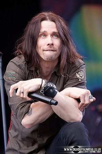 Myles Kennedy... so in love with his voice