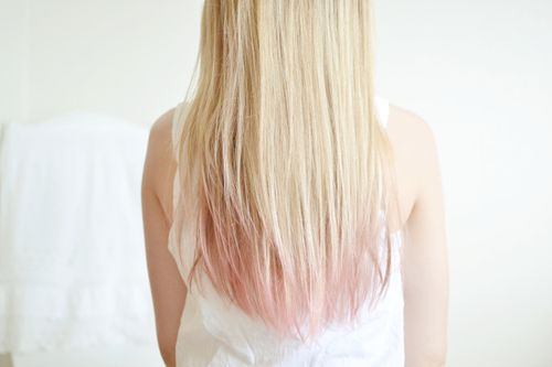 Pale pink tipped light blonde hair. Speechless.