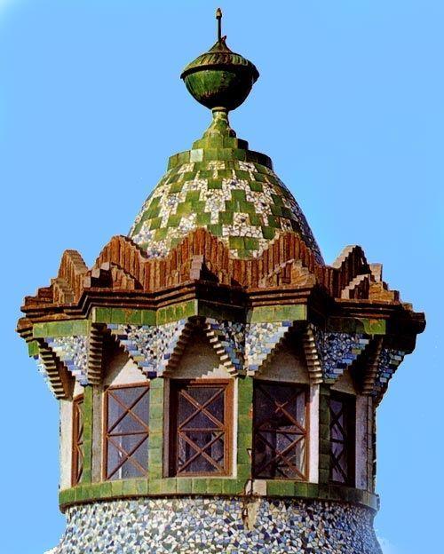 Finca Güell / Ceramicas / Torre  en cerámica y ladrillo