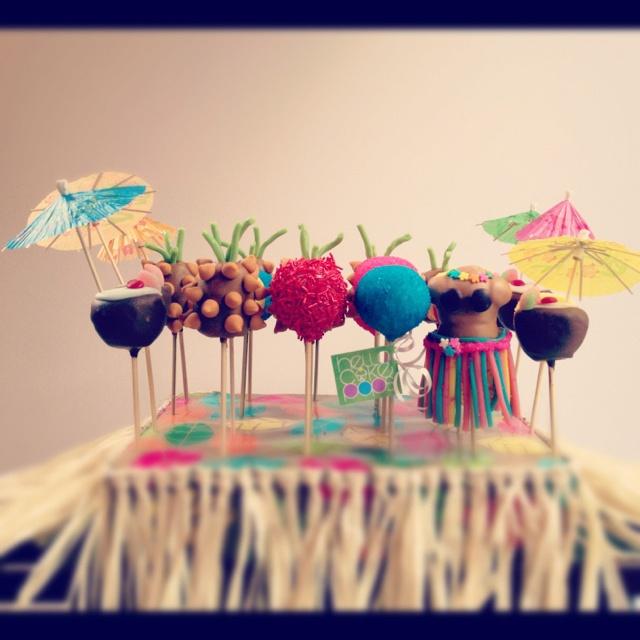 Hawaiian cake pops! HelloCakePops