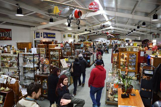 The Mill Market mazing Mill Markets Daylesford At Amazing Mill Markets you will find a selection of vintage clothes, vintage furniture, collectables, antiques, memorabilia, home decor, fine china, art, glass, coins, jewellery, books and records to name a few things.  Amazing Mill Market is located at 105 Central Springs Road, Daylesford.