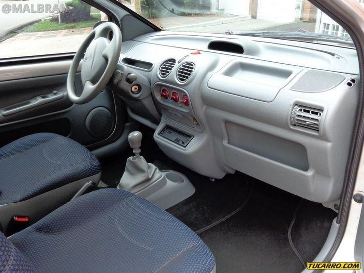 Renault Twingo - AUTO - CAR - AUTOMOVIL - INTERIOR - TABLERO - ASIENTOS - BOARD - SEATS @MALBRAN