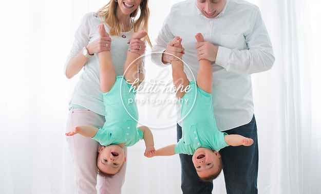 Or hang around: | 34 Beautiful And Creative Photography Ideas For Twins