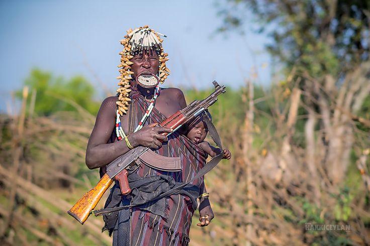 mursi tribe woman
