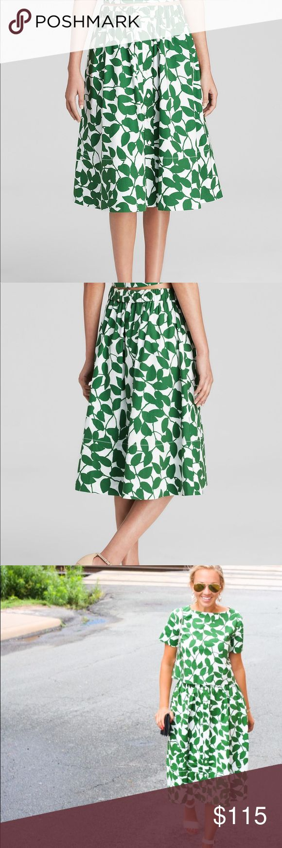 Kate Spade Garden Leaves Poplin Skirt (Size 6) Button front and stretch waist, worn maybe twice, in excellent condition!! Runs a tad big (if you are a true 6 it will be okay, but if you are a true 4 it will probably be too big) kate spade Skirts Midi