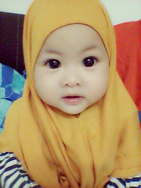 Precious :) Young Beautiful Hijabi in The Worlds Hijabers Cilik Cantik Sedunia http://hijabcornerid.com/
