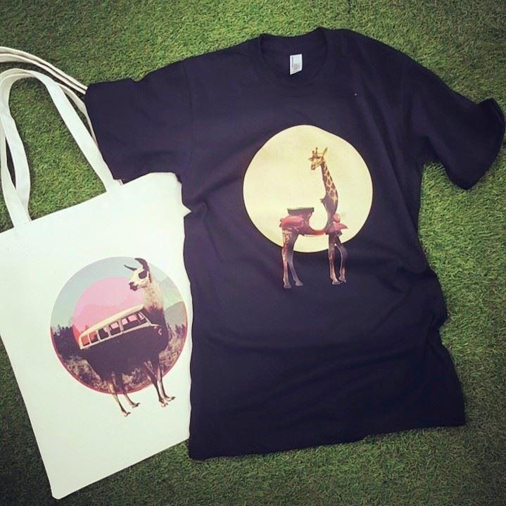 LLAMA & GIRAFFE / Designed by Ali Gulec (Turkey) / Made by OneRevolt.com / #에코백 #티셔츠 #아메리칸오패럴 #원리볼트 #디자인 #아티스트 #라마 #기린  #llama #giraffe #peru #캔버스백 #토트백