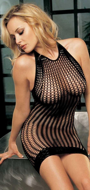 Обалденные телочки в прозрачных платьях