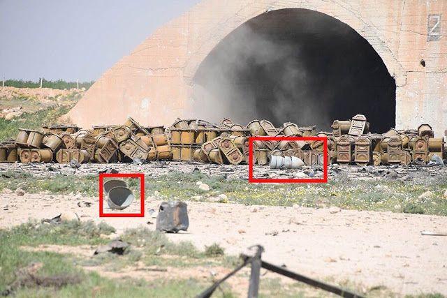 Bandara militer Assad masih digunakan  Foto lokasi bandara militer Assad yang dihancurkan AS sejumlah wadah yang diduga biasa digunakan untuk senjata kimia  Sisa pesawat tempur rezim Suriah masih lepas landas dari pangkalan udara yang dihancurkan oleh rudal jelajah AS Jum'at kemarin. Pesawat-pesawat itu melancarkan serangan udara di wilayah yang dikuasai oposisi di timur provinsi Homs ungkap kelompok pemantau SOHR. Tingkat kerusakan di pangkalan udara itu belum sepenuhnya jelas. Foto-foto…