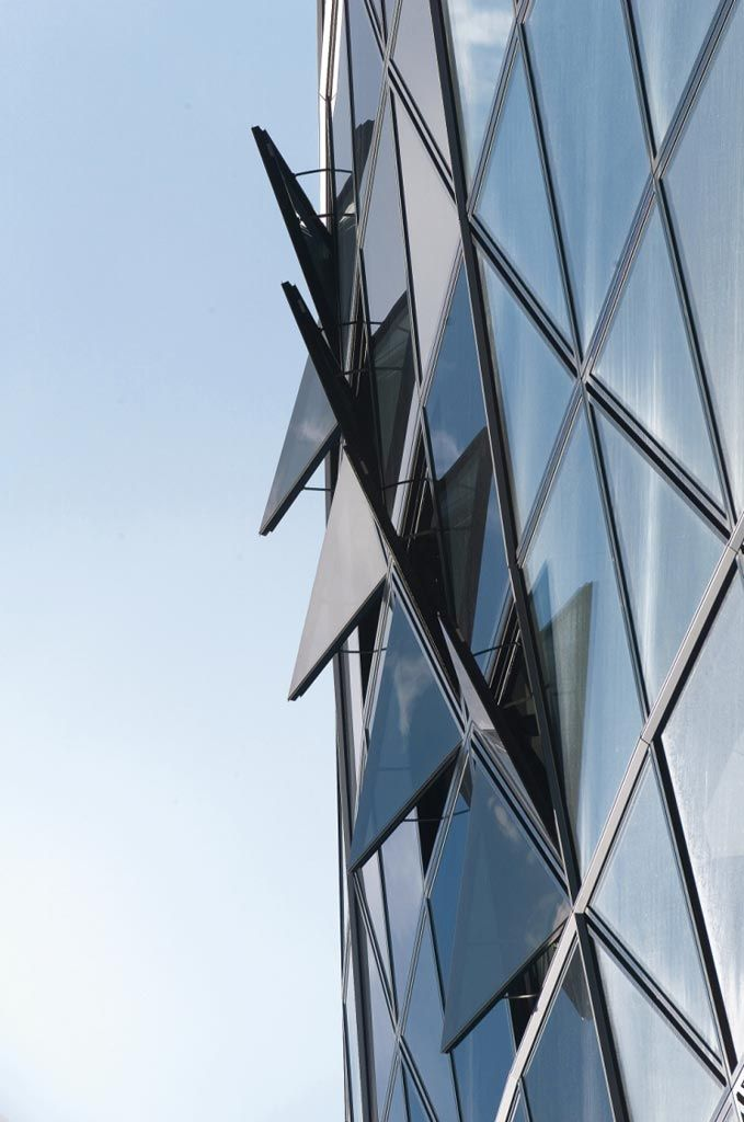 Swiss Re Headquarters, 30 St Mary Axe   Projects   Foster + Partners