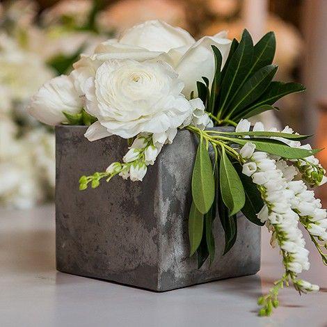 le vase carré imitation ciment : mariage industriel