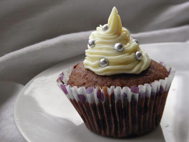 Secret way to the kitchen: Krem serkowy do dekoracji muffinów