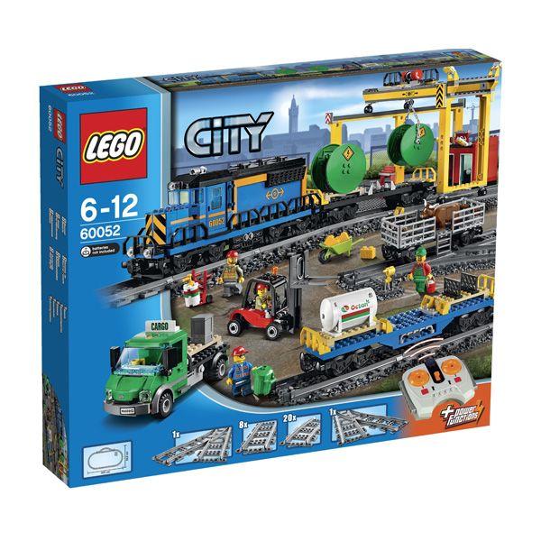Lego City - Tren De Mercancias; Trasporta mercancías pesadas alrededor de la ciudad con el super-poderoso Tren De Mercancías de LEGO City. Este impresionante  tren motorizado con 8 canales, control remoto por infrarrojos de 7 velocidades,  puede transportar casi cualquier cosa... En  http://www.opirata.com/lego-city-tren-mercancias-p-26360.html