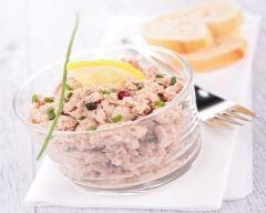 Rillettes de thon piquantes : http://www.cuisineaz.com/recettes/rillettes-de-thon-piquantes-10919.aspx