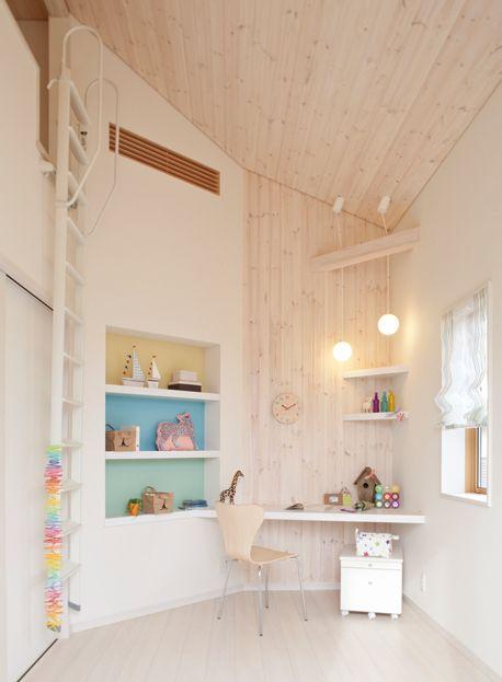 【子供部屋】北欧のパイン材を自然塗料で着色したロフト付の子供室。|インテリア|おしゃれ|かわいい|自然素材|