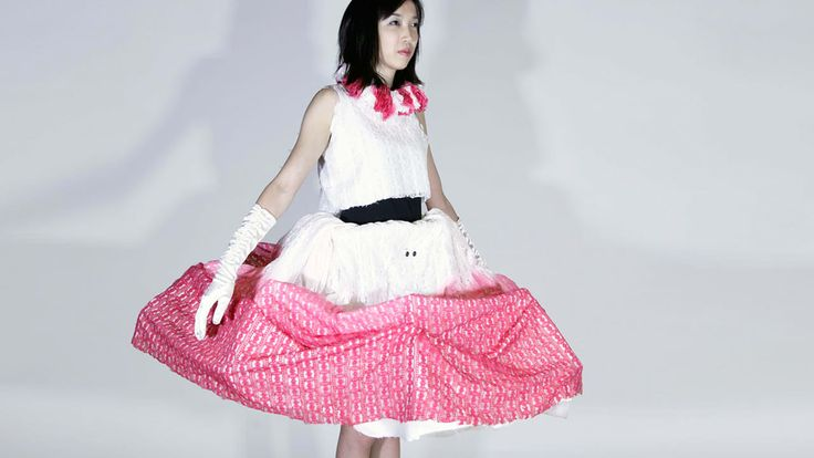 Ward Off Subway Gropers With This Expanding Dress