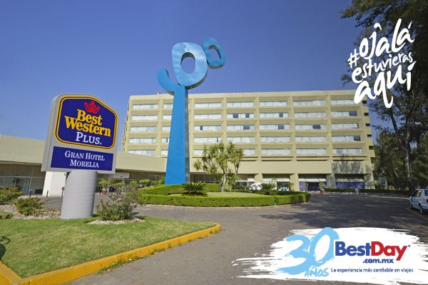 Best Western Plus Gran Hotel Morelia es uno de los mejores hoteles de negocios en #Morelia. Está ubicado a un lado del Centro de Convenciones, en una zona comercial con fácil acceso al Centro Histórico. Tiene una piscina al aire libre rodeada de jardines, seis salas de eventos con capacidad hasta para 1000 personas y dos canchas de tenis profesionales. #OjalaEstuvierasAqui