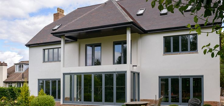 K Rend was chosen for this stunning large family home in Bristol, the Silicone TC through coloured render meant that a one coat application would give the home an attractive durable, easily maintained finish.