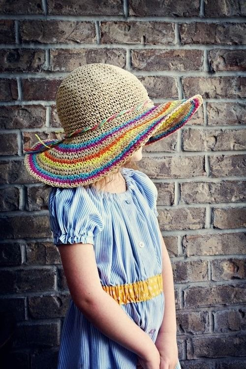 Awesome pattern for this crochet striped hat!Found Here.: