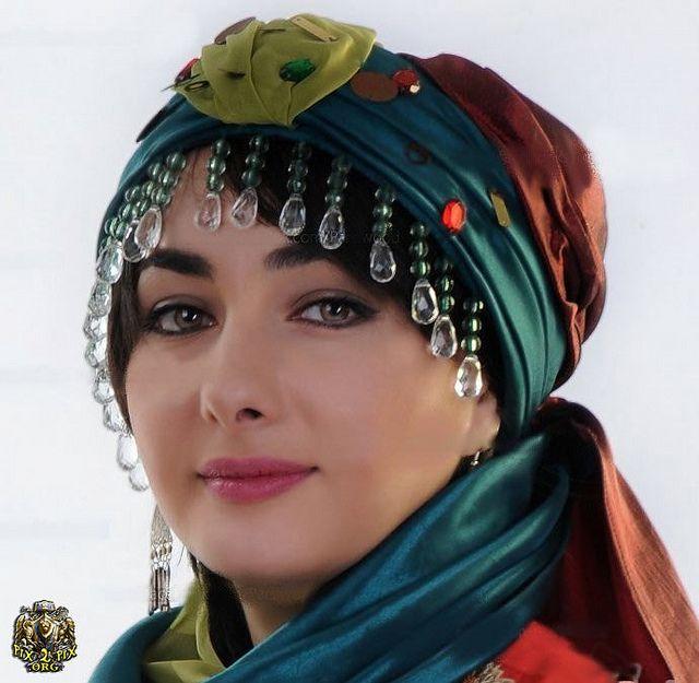 Iranian Beauty- Streets of Iran by Persian Queenz, via Flickr  (Iranian actress-Hanieh Tavassoli)