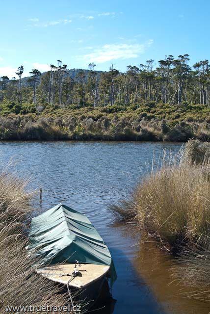 Ústí řeky Tahakopa, Catlins, Nový Zéland