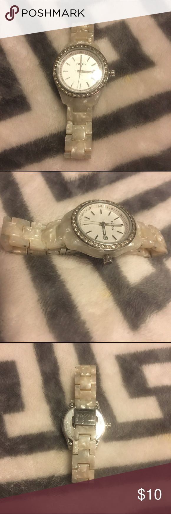 Montre pour femme : rubies.work/ Fossil watch womens Fossil womens watch Fossil Accessories Watc