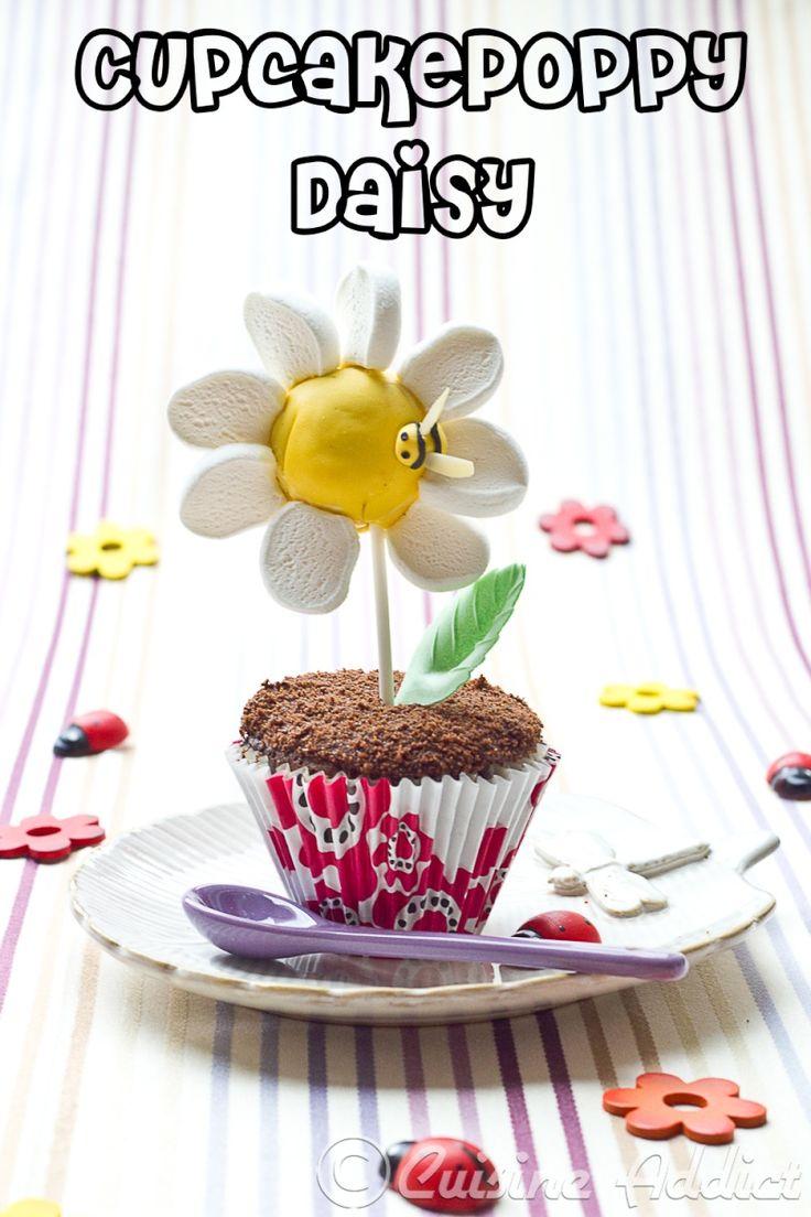 CupcakePoppy Daisy {Un dessert Moitié Cupcake, Moitié Cakepop, en forme de Marguerite} - Cuisine Addict - In French and English