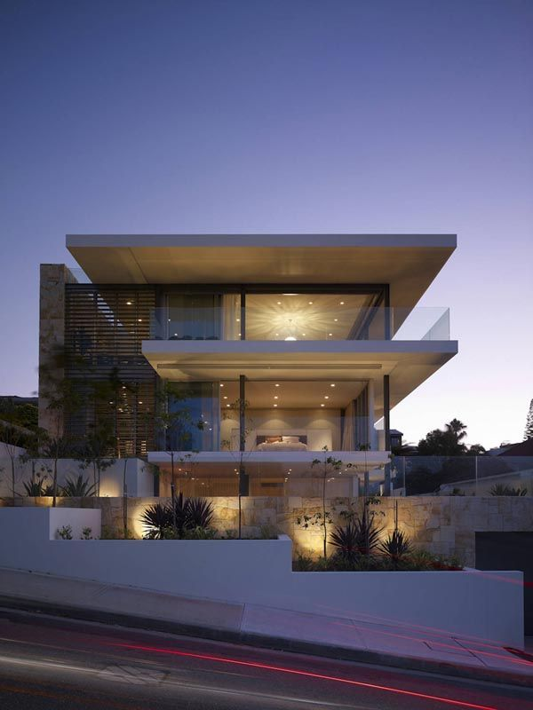 Modern and sleek home overlooking Sydney Harbour
