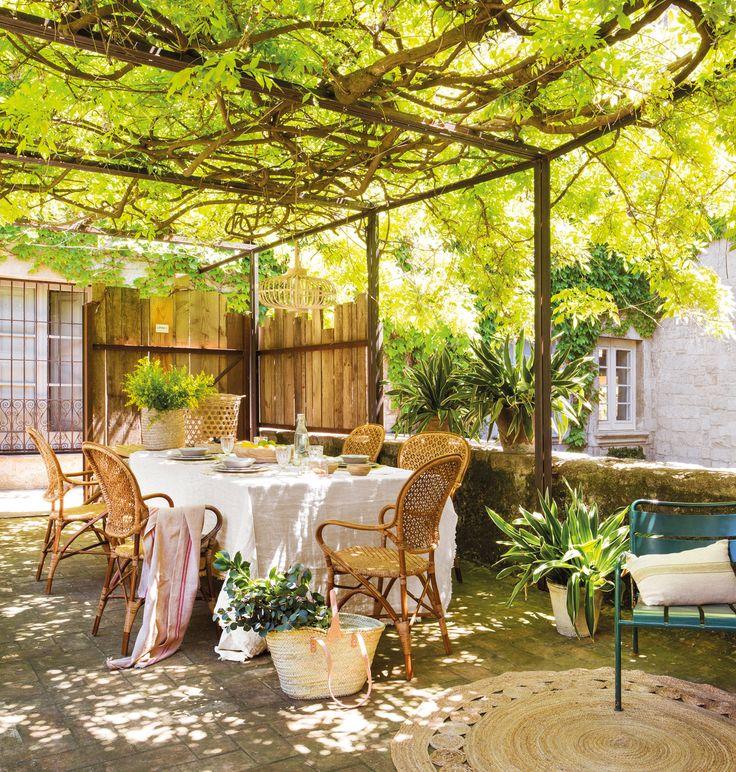 M s de 25 ideas incre bles sobre pergolas de hierro en for Comedores exteriores para terrazas