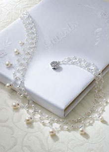 bridal necklace of pearls and crystals tutorial