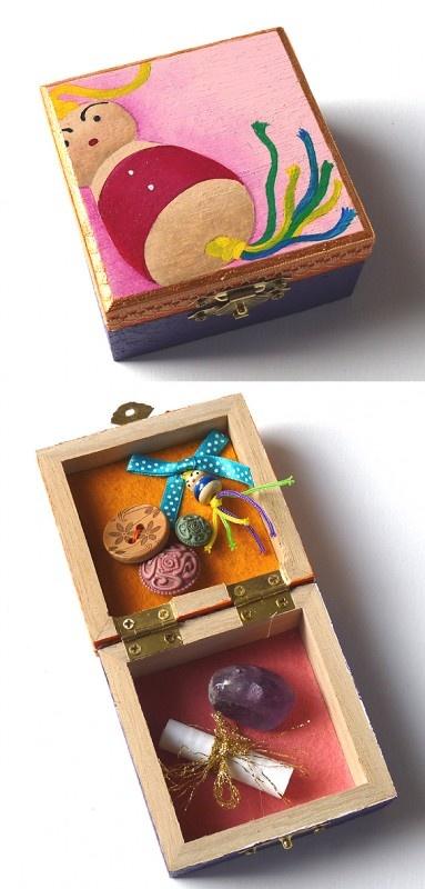 Lucky handmade box by the artist Sonja Kemp: http://www.sonjakemp.nl/a-28796990/boeddha-doosjes-vol-geluk/geluksdoosje-boeddha-gelukspoppetje/